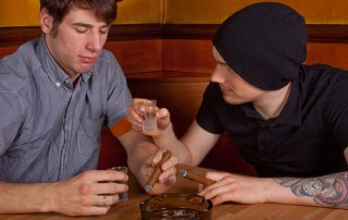 עישון פסיבי: עבירות סמים של אחרים שאתה משלם עליהם